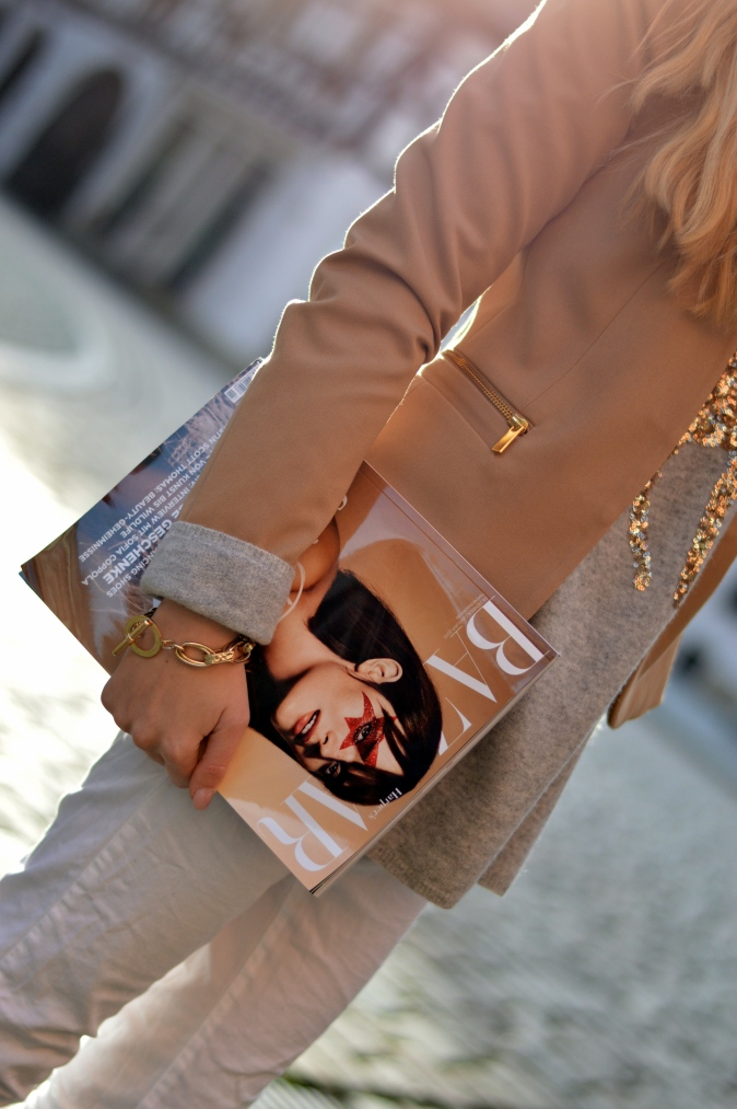 Maracujabluete-Modeblog-Outfit-Weihnachten-Festtage-Camel-Glitzer-3