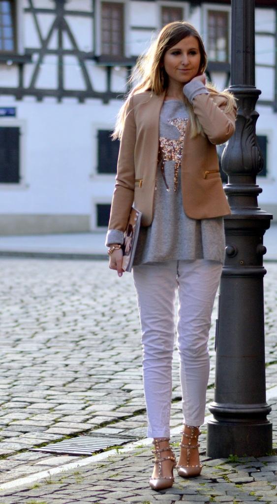 Maracujabluete-Modeblog-Outfit-Weihnachten-Festtage-Camel-Glitzer-4