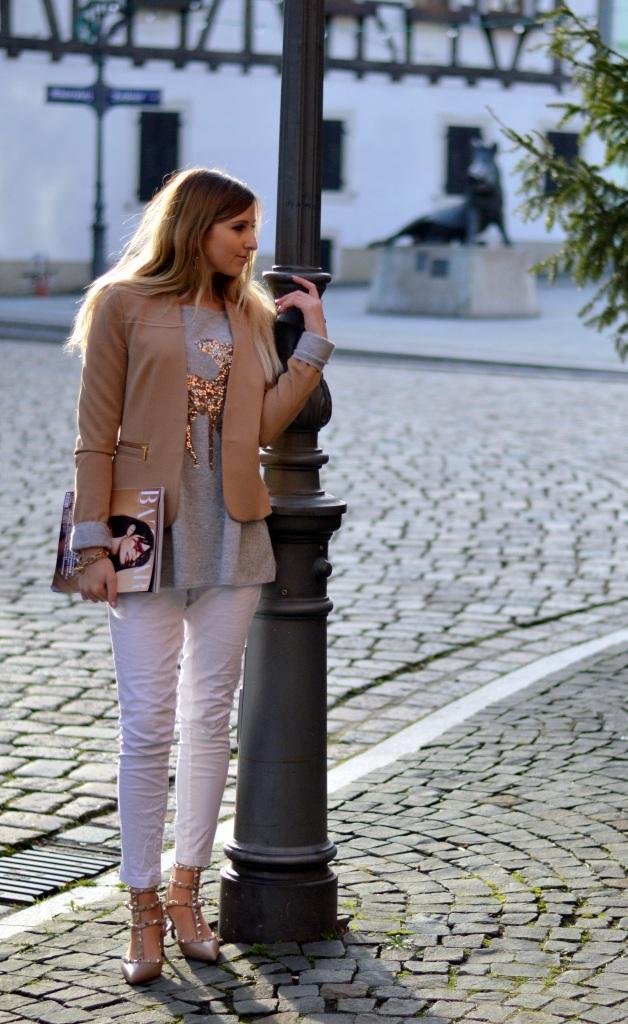 Maracujabluete-Modeblog-Outfit-Weihnachten-Festtage-Camel-Glitzer-6