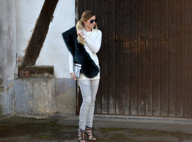 Maracujabluete-Modeblog-Outfit-Winter-Fellstola-Petrol-Ischgl-Look-11