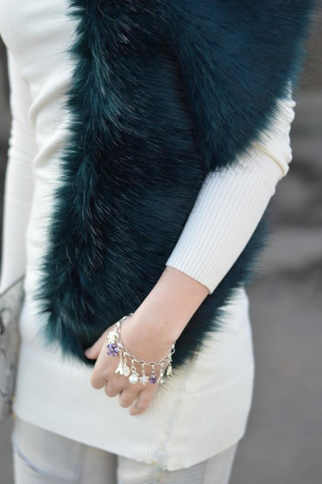 Maracujabluete-Modeblog-Outfit-Winter-Fellstola-Petrol-Ischgl-Look-3