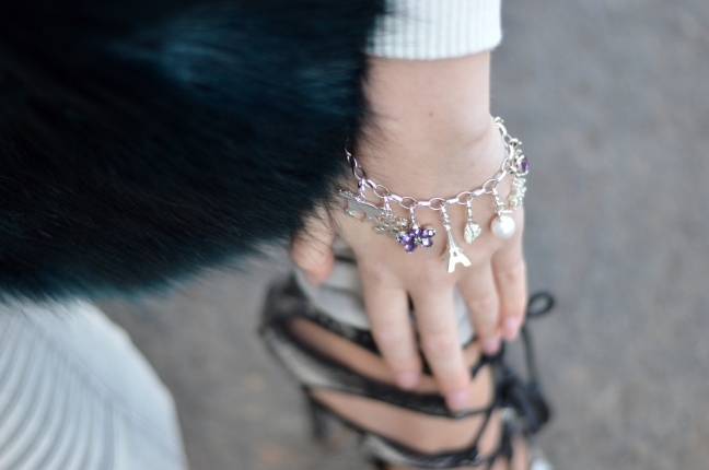 Maracujabluete-Modeblog-Outfit-Winter-Fellstola-Petrol-Ischgl-Look-4
