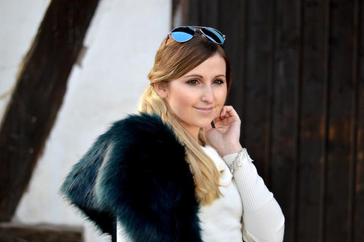 Maracujabluete-Modeblog-Outfit-Winter-Fellstola-Petrol-Ischgl-Look-8