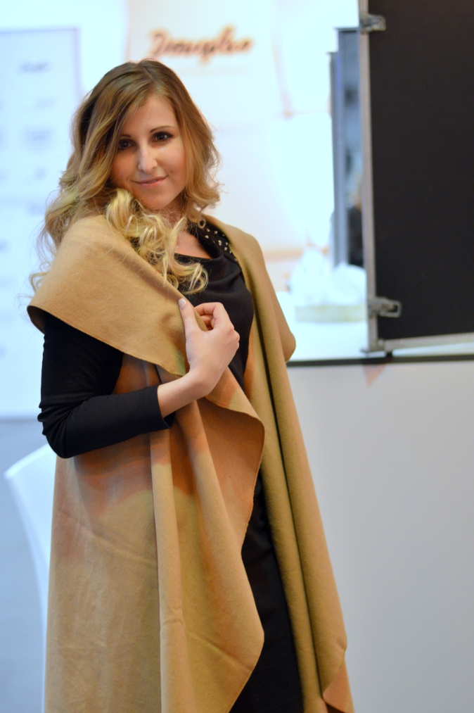Maracujabluete-Modeblog-Duesseldorf-Styleranking-Fashionbloggercafe-Plattform-ghd-locken-9