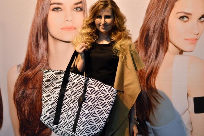 Maracujabluete-Modeblog-Duesseldorf-Styleranking-Fashionbloggercafe-Plattform-ghd-locken