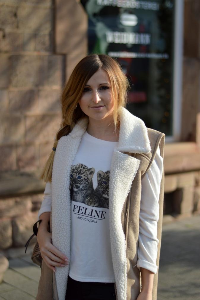 Maracujabluete-Modeblog-Outfit-Winter-Schaffell-Jacke-Rucksack-13