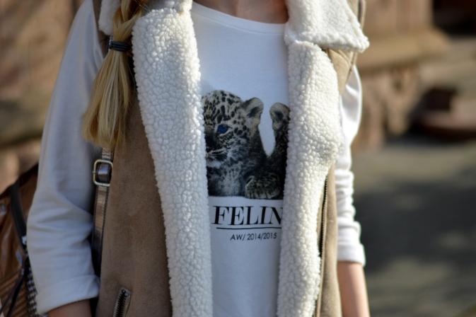 Maracujabluete-Modeblog-Outfit-Winter-Schaffell-Jacke-Rucksack-14