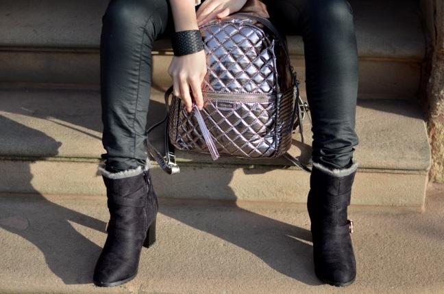 Maracujabluete-Modeblog-Outfit-Winter-Schaffell-Jacke-Rucksack-25
