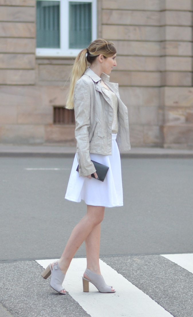 Maracujabluete-Fashionblog-Modeblog-Mannheim-Duesseldorf-Outfit-gold-barcelona-midirock-streetstyle-1