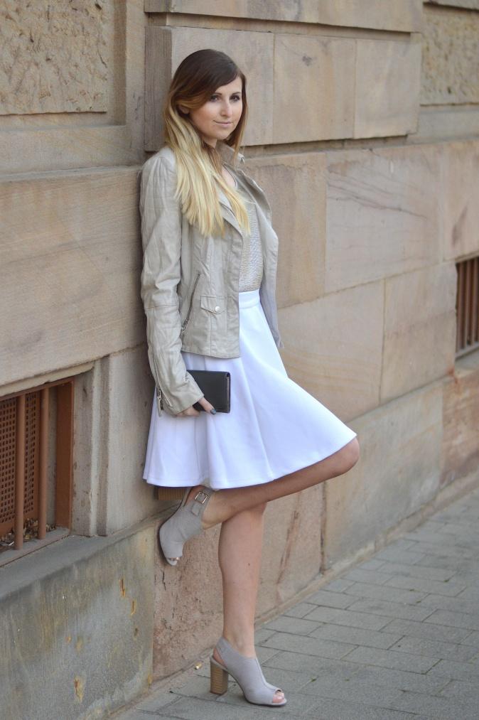 Maracujabluete-Fashionblog-Modeblog-Mannheim-Duesseldorf-Outfit-gold-barcelona-midirock-streetstyle-12