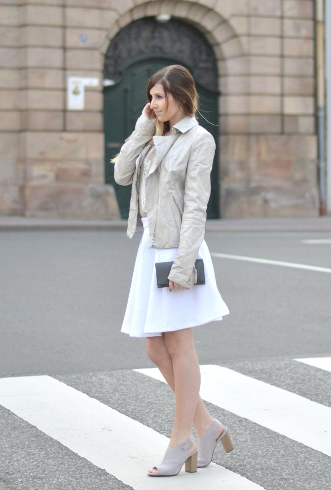 Maracujabluete-Fashionblog-Modeblog-Mannheim-Duesseldorf-Outfit-gold-barcelona-midirock-streetstyle-3