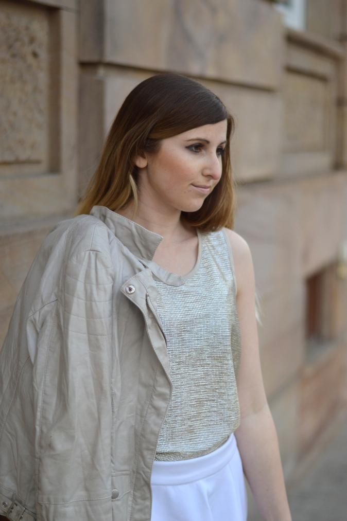 Maracujabluete-Fashionblog-Modeblog-Mannheim-Duesseldorf-Outfit-gold-barcelona-midirock-streetstyle-6