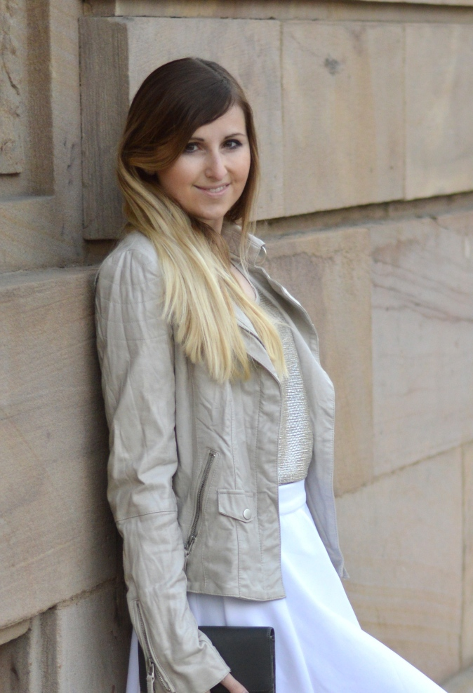 Maracujabluete-Fashionblog-Modeblog-Mannheim-Duesseldorf-Outfit-gold-barcelona-midirock-streetstyle-66