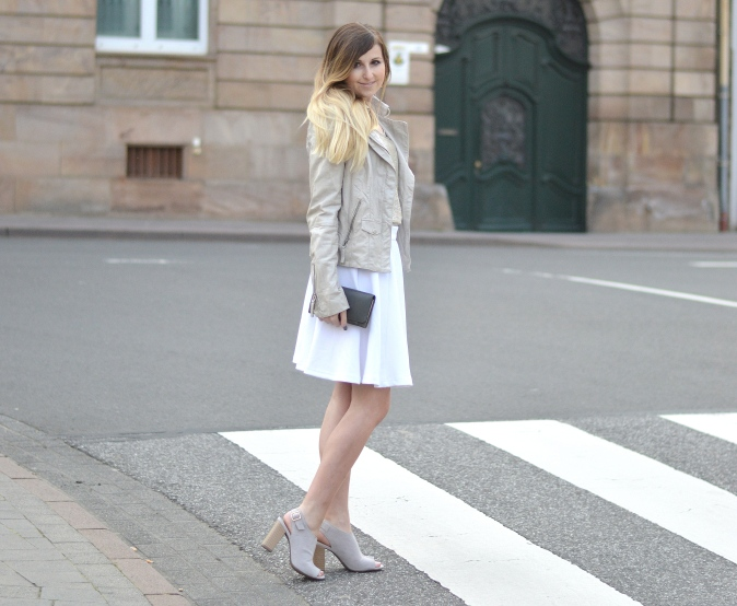 Maracujabluete-Fashionblog-Modeblog-Mannheim-Duesseldorf-Outfit-gold-barcelona-midirock-streetstyle-7