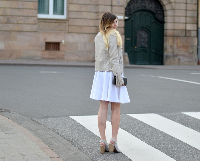 Maracujabluete-Fashionblog-Modeblog-Mannheim-Duesseldorf-Outfit-gold-barcelona-midirock-streetstyle-8