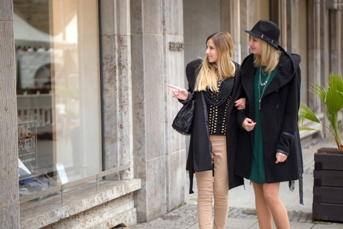 Maracujabluete-Modeblog-Fashionblog-Mannheim-Melooks-Blogger-Freundschaft-Mantel-Valentino-Rockstud-5