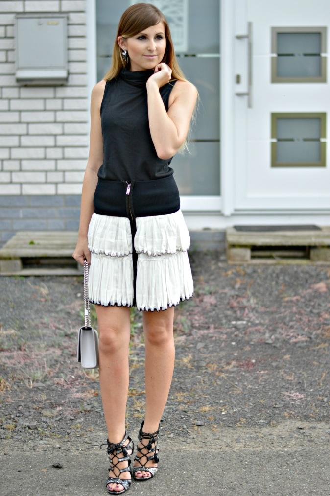 Maracujabluete-Fashionblog-Mannheim-Fashionweek-outift-isabelmarant-ysl-bag-2