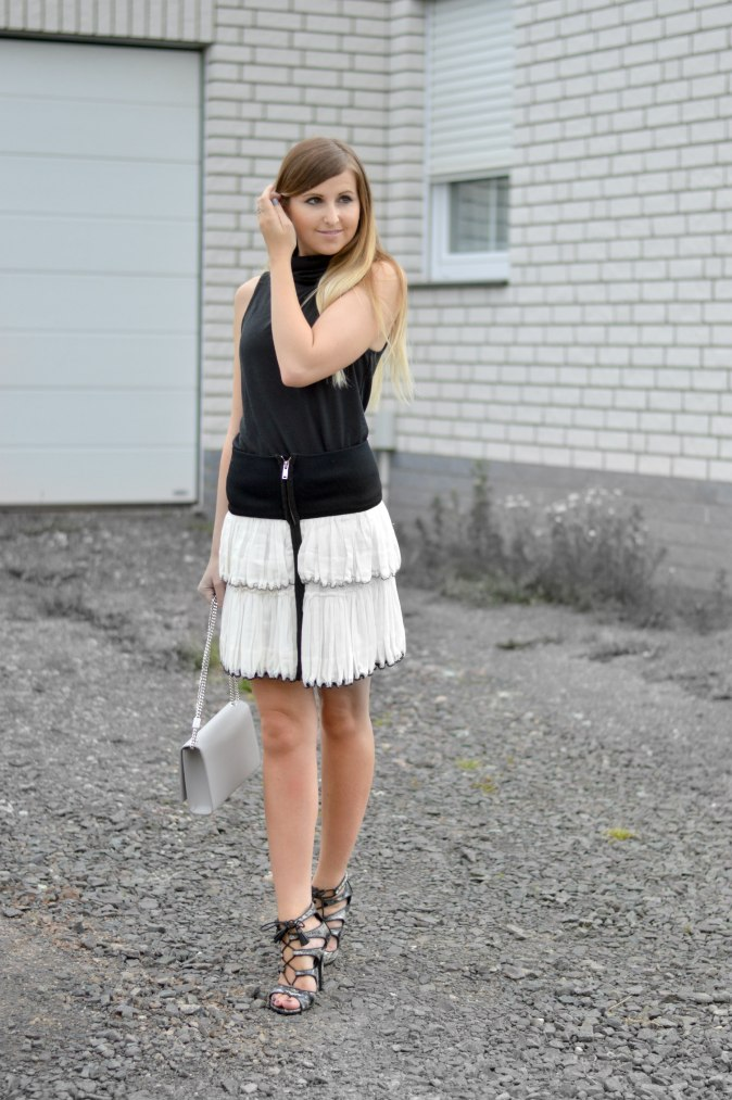 Maracujabluete-Fashionblog-Mannheim-Fashionweek-outift-isabelmarant-ysl-bag-7