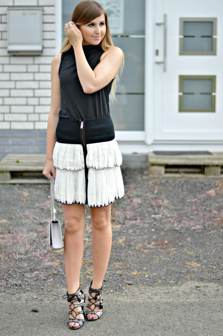 Maracujabluete-Fashionblog-Mannheim-Fashionweek-outift-isabelmarant-ysl-bag