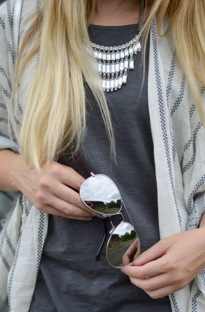 Maracujabluete-Fashionblog-Mannheim-streetstyle-outfit-hellblau-poncho-metallic-14