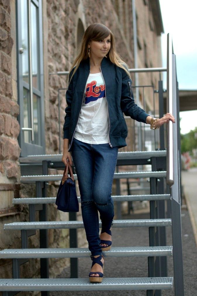 Maracujabuete-Fashionblog-Modeblog-Duesseldorf-Mannheim-Outfit-Mint-fashionweek-90ies-levis-bomberjacke-1