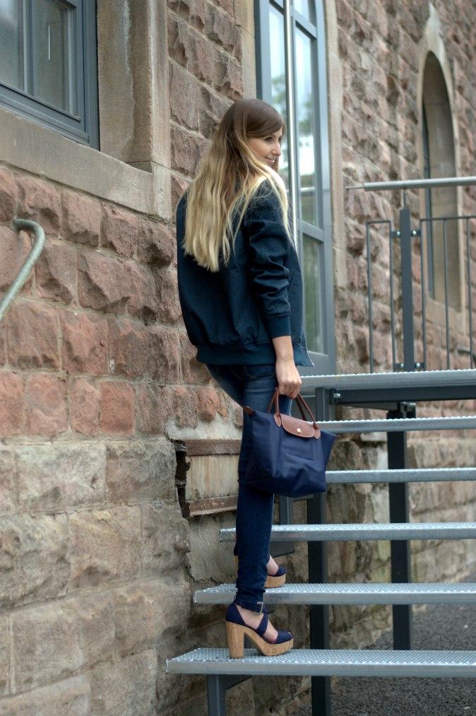 Maracujabuete-Fashionblog-Modeblog-Duesseldorf-Mannheim-Outfit-Mint-fashionweek-90ies-levis-bomberjacke-10