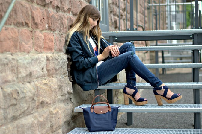 Maracujabuete-Fashionblog-Modeblog-Duesseldorf-Mannheim-Outfit-Mint-fashionweek-90ies-levis-bomberjacke-6