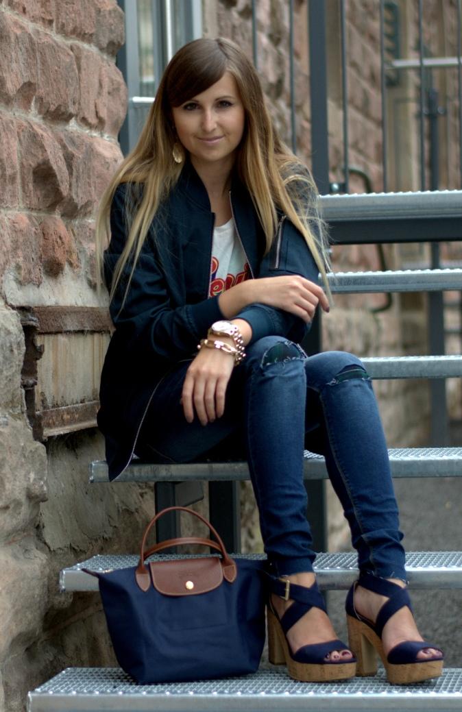 Maracujabuete-Fashionblog-Modeblog-Duesseldorf-Mannheim-Outfit-Mint-fashionweek-90ies-levis-bomberjacke-8