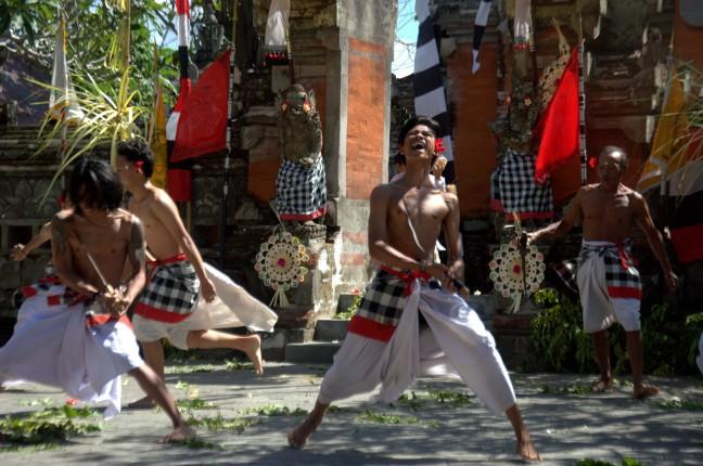 Maracujabluete-Reiseblog-Reisebericht-Bali-Ubud-Barong-Tanz-3