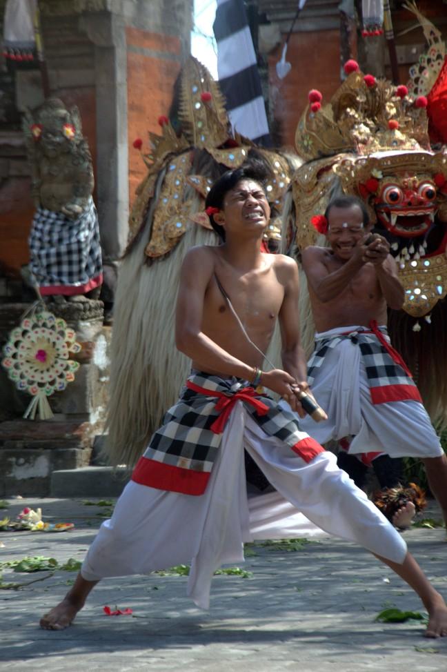 Maracujabluete-Reiseblog-Reisebericht-Bali-Ubud-Barong-Tanz-4