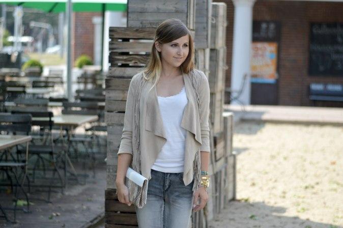 Maracujabluete-Fashionblog-mannheim-Fransenjacke-armcandy-Sommer-outfit-paulhewitt-anchor-2