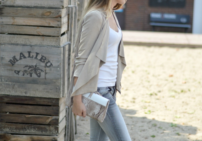 Maracujabluete-Fashionblog-mannheim-Fransenjacke-armcandy-Sommer-outfit-paulhewitt-anchor-4