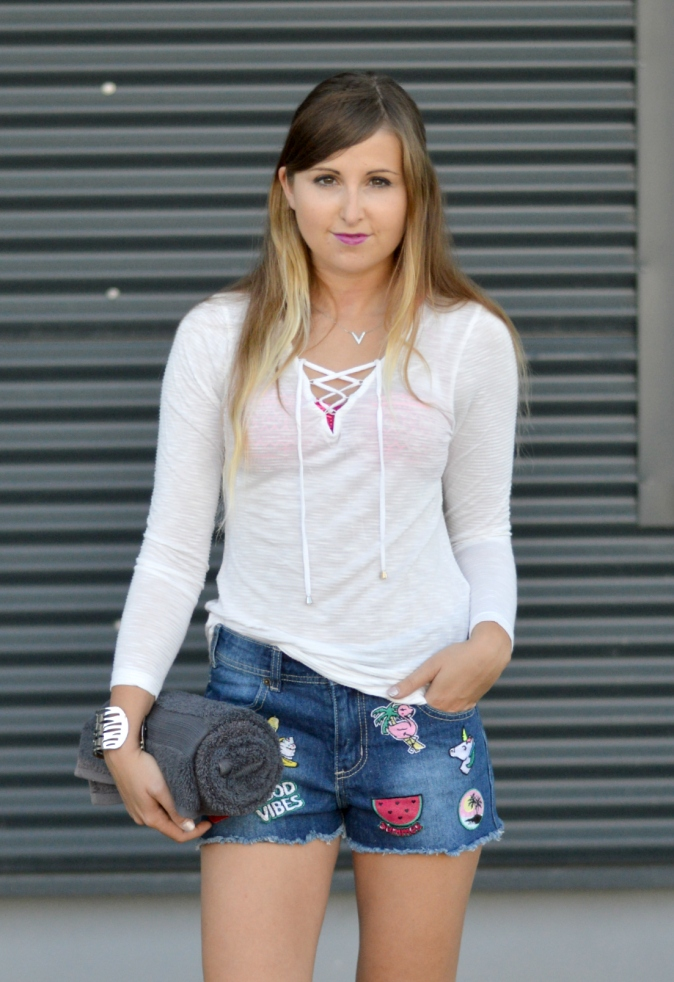 Maracujabluete-Fashionblog-Mannheim-Heidelberg-Outfit-Streetstyle-shorts-sommeroutfit-pink-aufnaeher-10