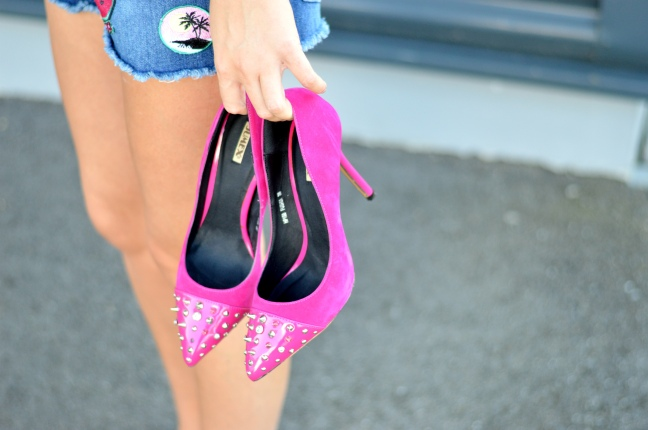Maracujabluete-Fashionblog-Mannheim-Heidelberg-Outfit-Streetstyle-shorts-sommeroutfit-pink-aufnaeher-12