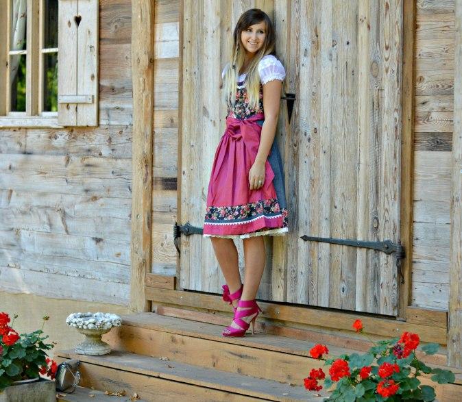 maracujabluete-fashionblog-mannheim-outfit-oktoberfest-dirndl-krueger-muenchen-11