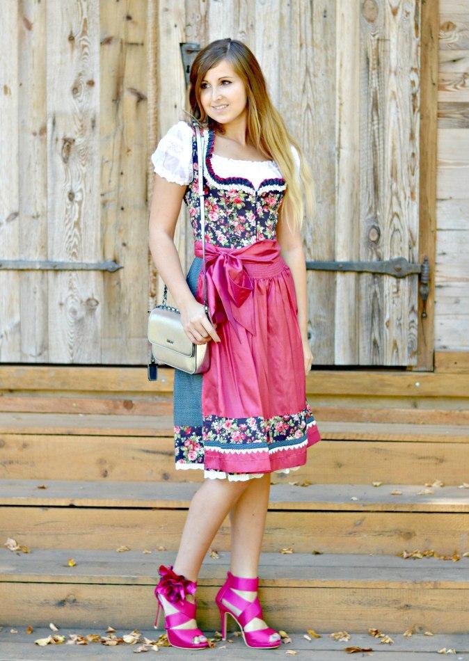 maracujabluete-fashionblog-mannheim-outfit-oktoberfest-dirndl-krueger-muenchen-2
