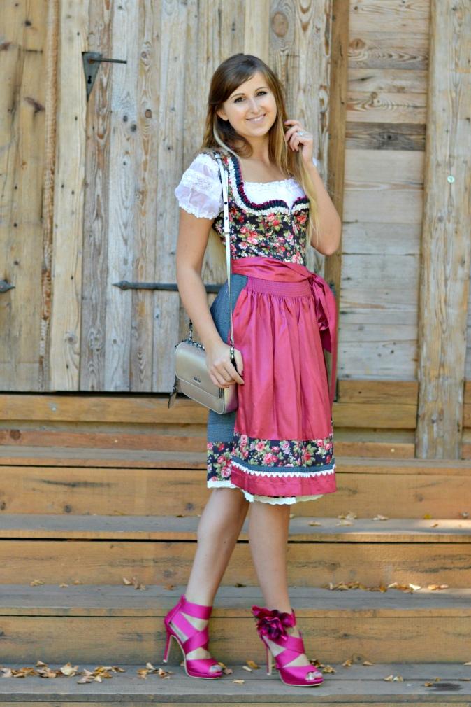 maracujabluete-fashionblog-mannheim-outfit-oktoberfest-dirndl-krueger-muenchen-4
