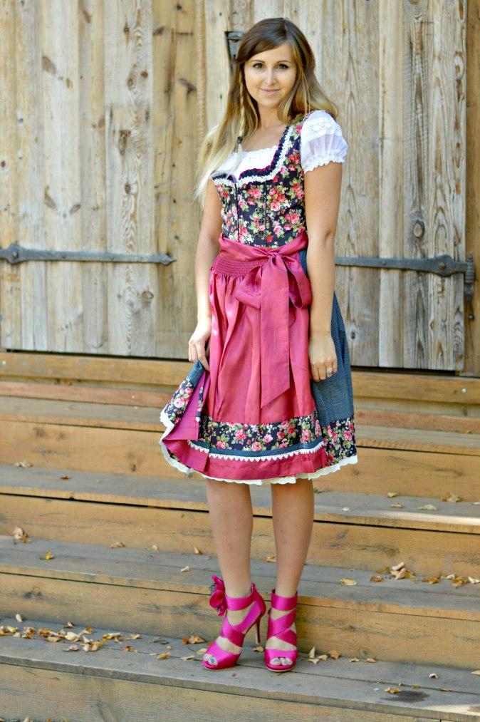 maracujabluete-fashionblog-mannheim-outfit-oktoberfest-dirndl-krueger-muenchen-477