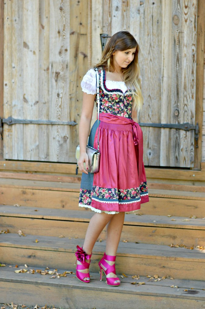 maracujabluete-fashionblog-mannheim-outfit-oktoberfest-dirndl-krueger-muenchen-5