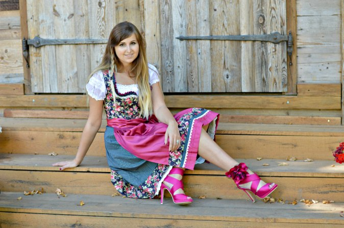 maracujabluete-fashionblog-mannheim-outfit-oktoberfest-dirndl-krueger-muenchen-7