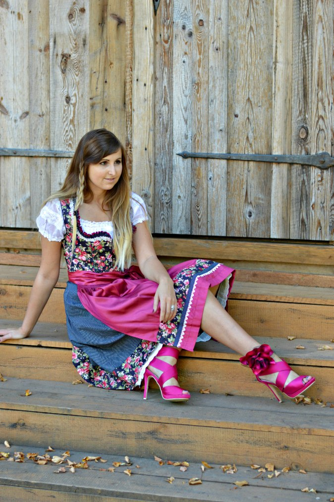 maracujabluete-fashionblog-mannheim-outfit-oktoberfest-dirndl-krueger-muenchen-9