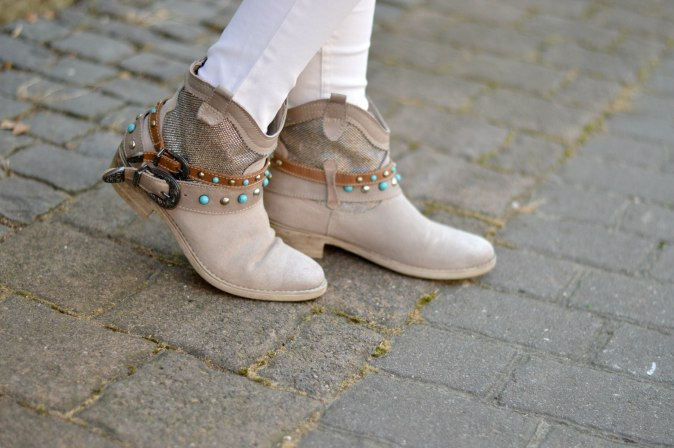 maracujabluete-fashionblog-mannheim-outfit-herbst-boots-fellweste