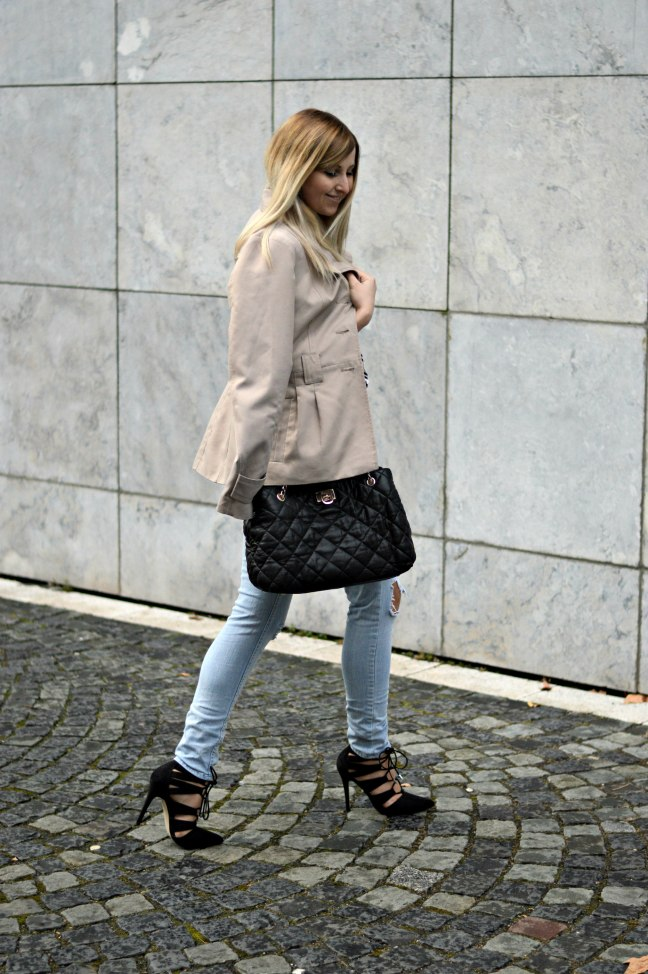 maracujabuete-fashionblog-modeblog-mainz-frankfurt-fruehling-streetstyle-trenchcoat-streifenshirt-paris-chic-12