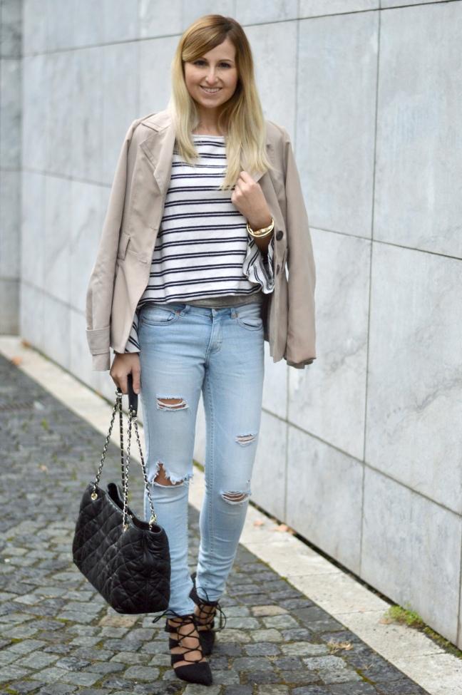 maracujabuete-fashionblog-modeblog-mainz-frankfurt-fruehling-streetstyle-trenchcoat-streifenshirt-paris-chic-2