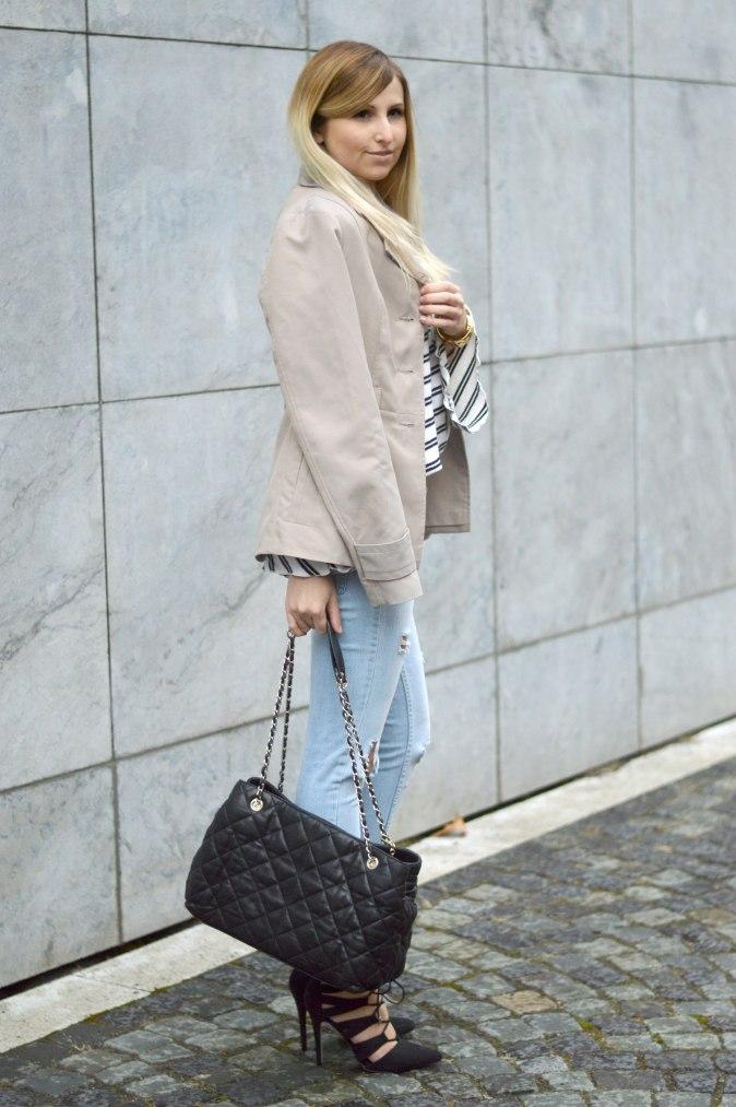 maracujabuete-fashionblog-modeblog-mainz-frankfurt-fruehling-streetstyle-trenchcoat-streifenshirt-paris-chic-3