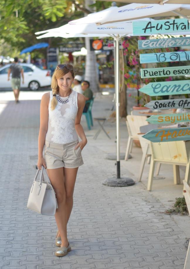 Maracujabluete-Fashionblog-Modeblog-Mainz-Frankfurt-Streetstyle-Beachlook-Mexico-Tulum-Lace-Body-Shorts-espadrilles-9