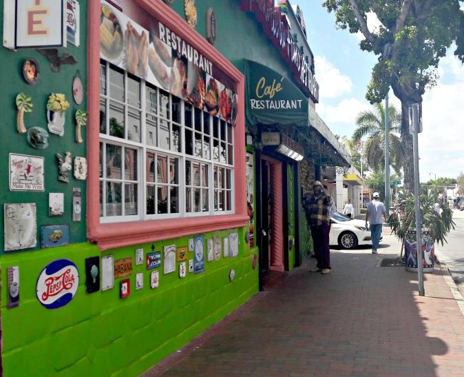 Maracujabluete-Reiseblog-Travelblogger-Reisetipps-Miami-staedtetripl-little-havana