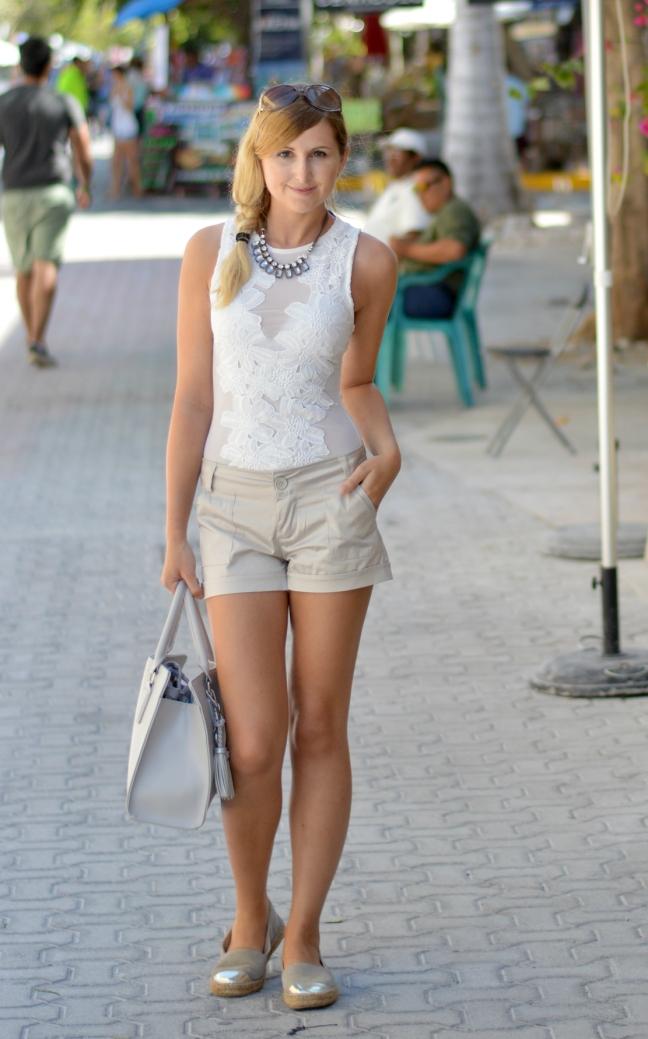 Maracujabluete-Fashionblog-Modeblog-Mainz-Frankfurt-Streetstyle-Beachlook-Mexico-Tulum-Lace-Body-Shorts-espadrilles-20