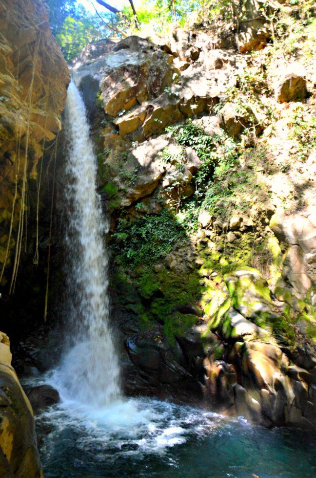 Maracujabluete-Reiseblog-Travelblogger-Reisetipps-Costa-Rica-Roadtrip-Hacienda-Guachipelin-wasserfall-4