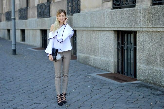 Maracujabluete-Fashionblog-Modeblogger-Mainz-Frankfurt-Outfit-Volant-Bluse-Zara-Lederpants-6